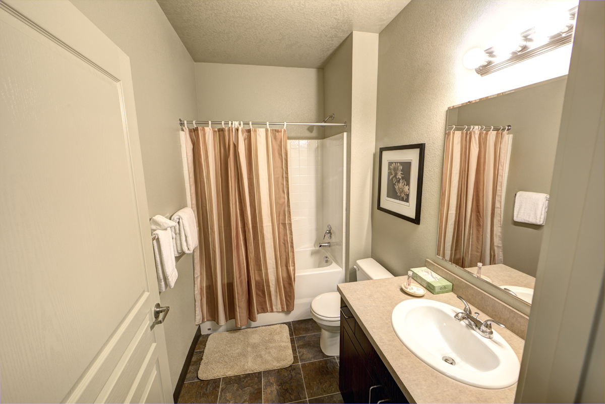 Aspen-Creek-Bathroom2-Small